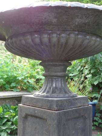 2014-08-15 Victorian urn 4-450